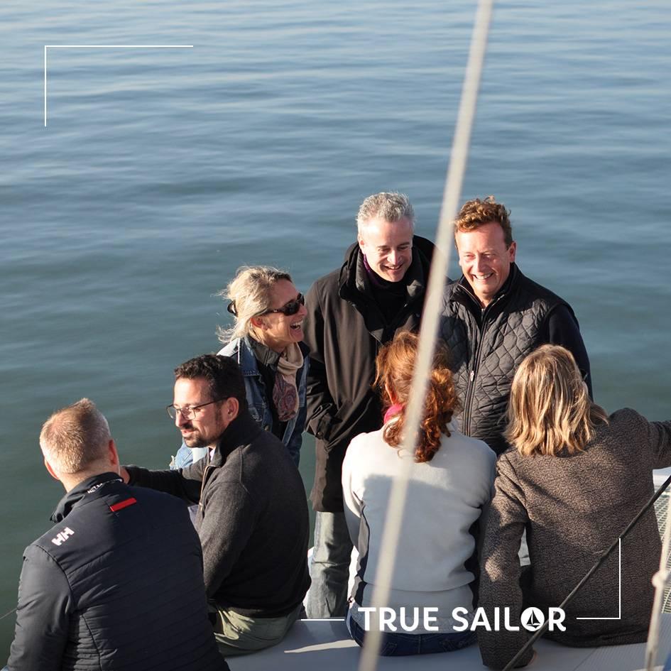 Equipe team building et séminaire en voilier