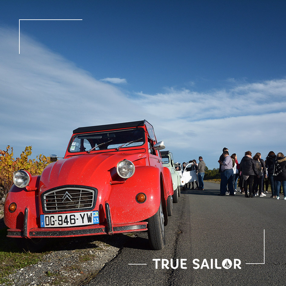 Team building en voiture 2CV de collection