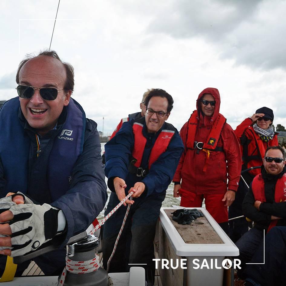 Séminaire d'équipe sportif et challenge en voilier