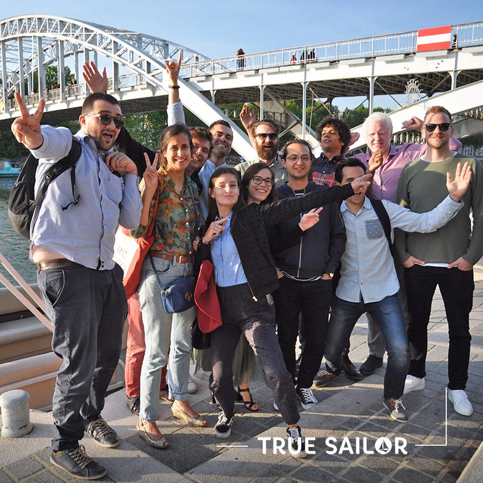 Photo d'équipe lors d'un séminaire à Paris