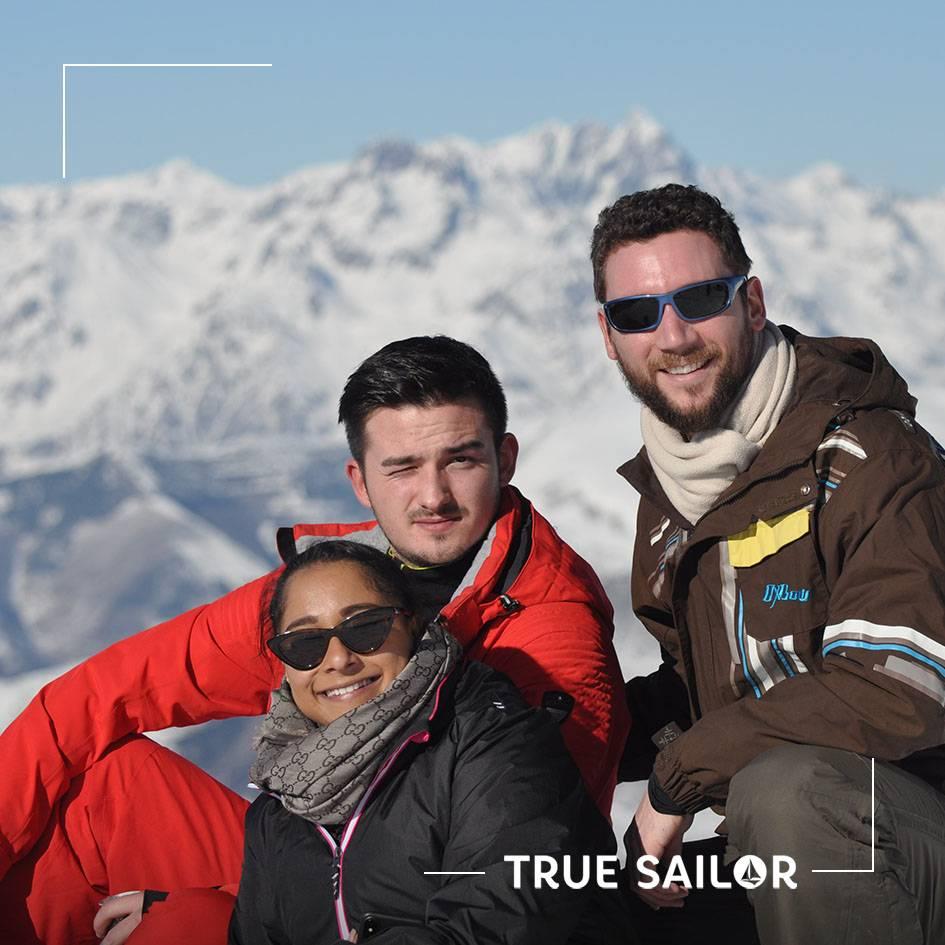 Photo originale trio séminaire d'équipe Alpes