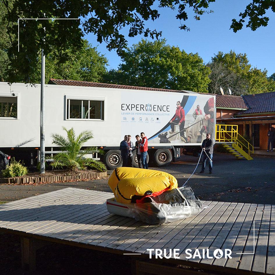 experiiience voilier virtuel avec radeau de survie